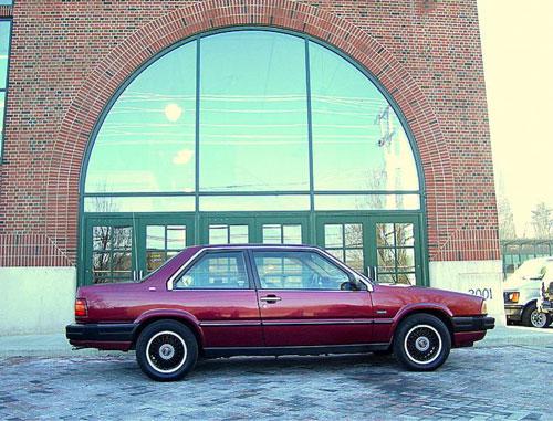 1991 Volvo 780 side