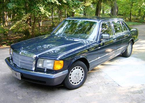 1990 Mercedes-Benz W126 420SEL Sedan