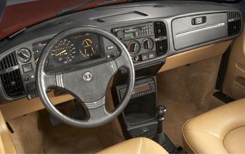 Saab 900 Interior