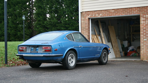 1972 72 Datsun 240Z Blue Garage