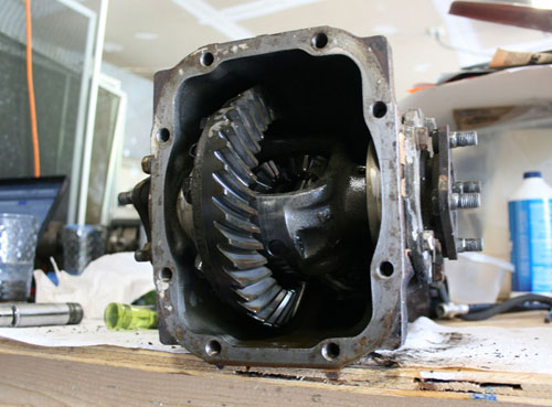 Datsun 240Z Restoration Diff Differential R180 Crown Gear Carrier