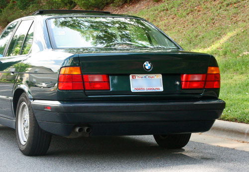 Debadged 1995 BMW 525i E34 Oxford Green